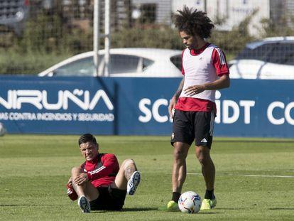 Chimy Ávila, tras romperse el ligamento cruzado anterior de la rodilla derecha.