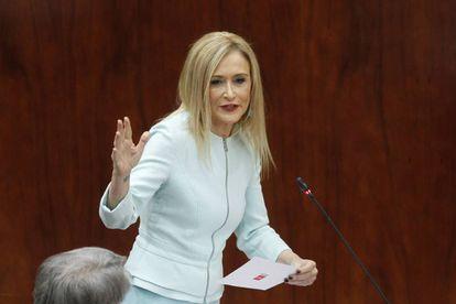 La presidenta Cristina Cifuentes el pasado jueves en el pleno de la Asamblea de Madrid.