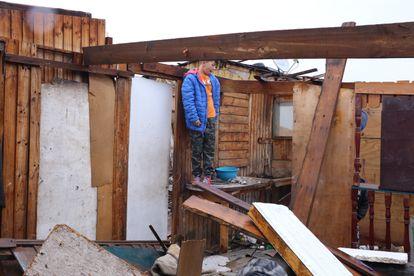 Un niño juega en el municipio de San Bernardo, colonia donde viven más de 50 familias.