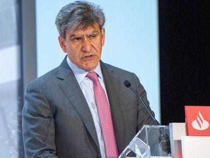 El consejero delegado de Banco Santander, José Antonio álvarez, en la junta de accionistas de 2021.