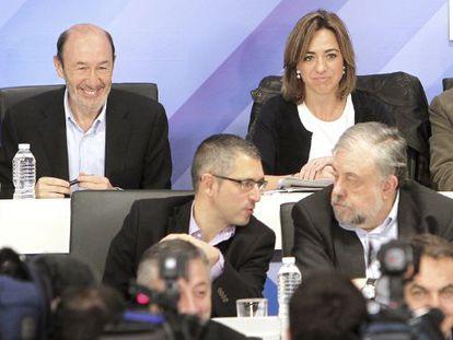 Alfredo Pérez Rubalcaba, junto a Carme Chacón, durante la reunión del Comité Federal.