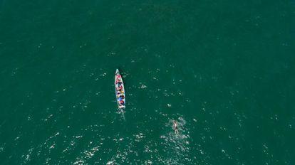 Pablo Fernández recorre la distancia que separa Nicaragua de El Salvador a nado