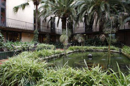 Jardín del Ateneu Barcelonès.