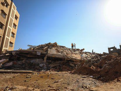 Un edificio destruído en Gaza, este martes.