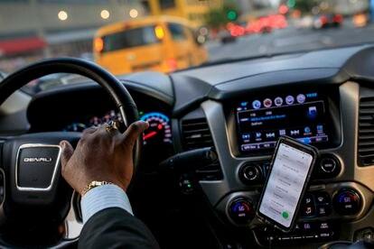 Johan Nijman, conductor de Uber, circula por Nueva York, en agosto de 2018.