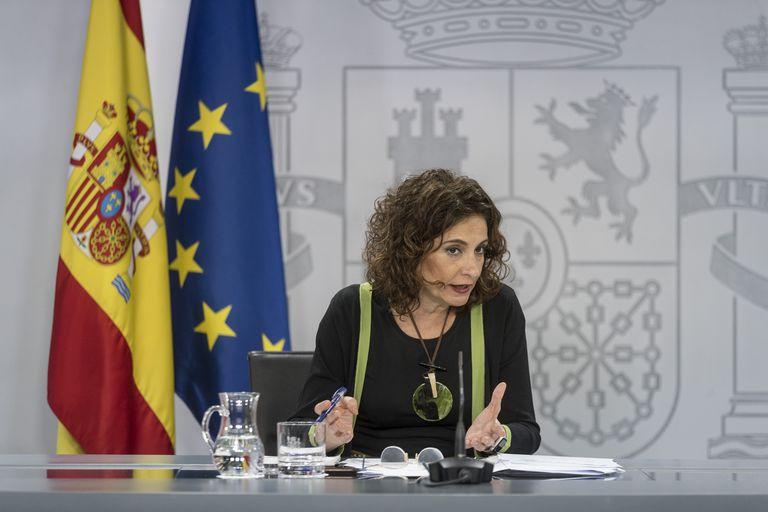 DVD 12006 Madrid, 16-06-20.-Las ministras María Isabel Celaa, Maria Jesus Montero y Reyes Maroto, tras lel consejo de ministros. Foto: Julian Rojas