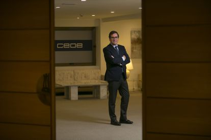 El presidente de la CEOE, Antonio Garamendi, en la sede de la organización patronal.
