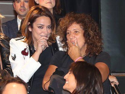 Toñi Moreno y Rosana durante una presentación de un libro en Madrid, el pasado febrero.