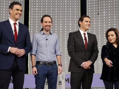 Los cuatro participantes en el debate de este lunes.