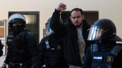 Pablo Hasél, durante su detención en la Universidad de Lleida, en febrero de 2021.