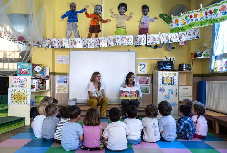 Clase de niños de dos años en el colegio Federico García Lorca de Valencia.