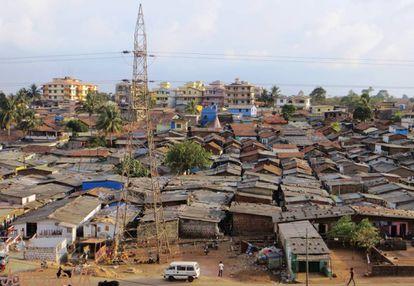 Asentamiento informal de Sancoale, en Zuarinagar, India.