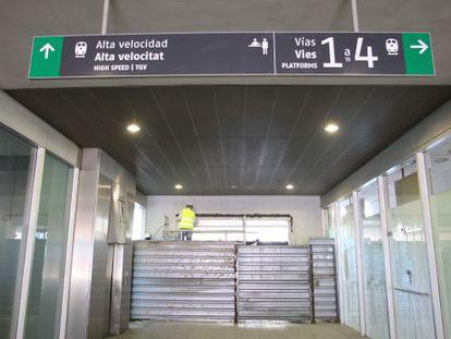 Los últimos trabajos en la estación de Girona antes de la llegada del AVE.