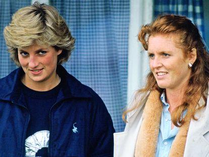 Diana de Gales y Sarah Ferguson, en un partido de polo en Windsor en mayo de 1987.