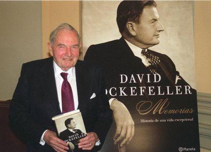 El fallecido financiero estadounidense David Rockefeller, cuando presentó sus memorias en España en 2004.