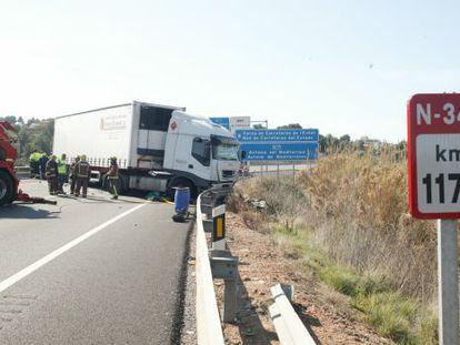 Accidente de circulación con un camión implicado en la N-340.
