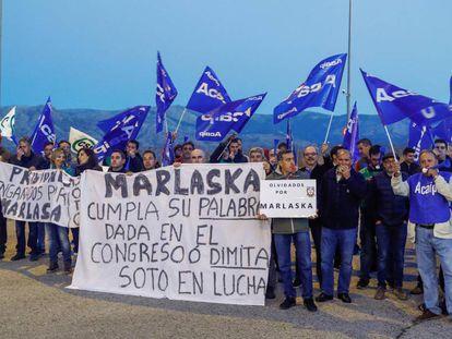 Sindicatos de Prisiones durante una protesta en el acceso a la cárcel de Soto del Real (Madrid).