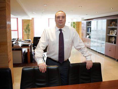 Miguel Ángel Ramírez, presidente de la Unión Deportiva Las Palmas, en su despacho, en mayo de 2012