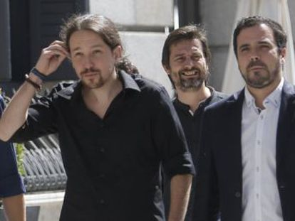 Iglesias sugiere que habla con Sánchez de un plan b si el presidente en funciones fracasa