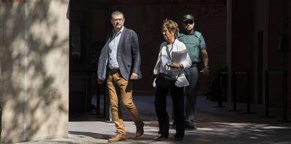 Jaume Clotet despues de ser interrogado por la Guardia Civil en el cuartel de Travesera de Gracia en Barcelona