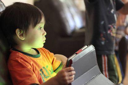 Los niños están muy familiarizados con el uso de las tecnologías.