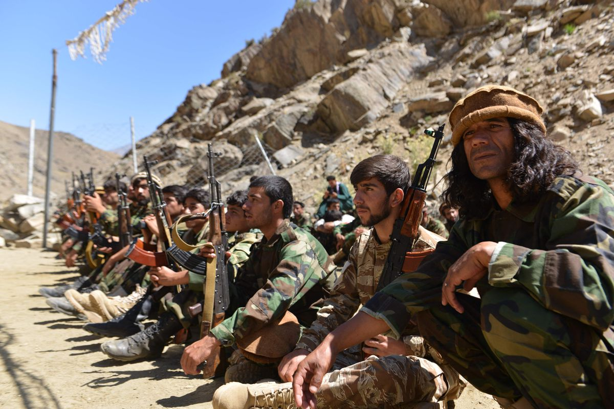 Los talibanes dicen que rodean Panshir, el último reducto resistente, y piden que se rinda