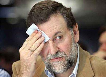 El presidente del PP, Mariano Rajoy, durante el mitin en Valencia.
