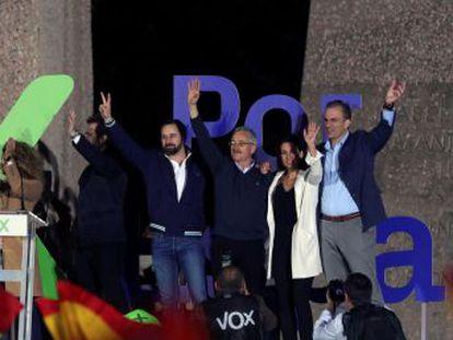 Vox augura el inicio de una  segunda transición  en su mitin de fin de campaña