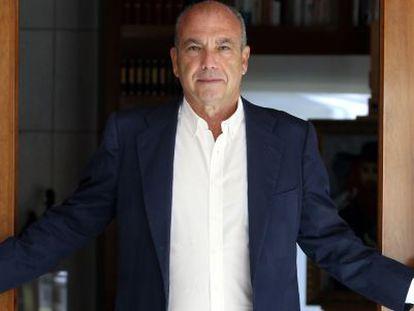 Isaac Querub, presidente de la Federacion de Comunidades Judias de España, a finales de agosto de 2015, en su domicilio madrileño.