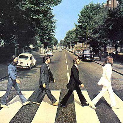 Los Beatles, en la calle londinense de Abey Road.