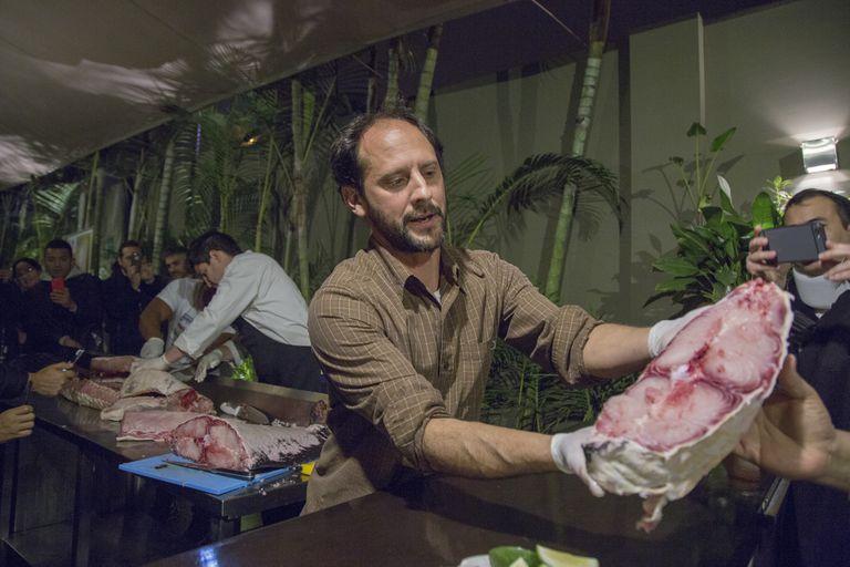 El cocinero peruano Pedro Miguel Schiaffino en el restaurante La Mar en Lima, el pasado agosto.