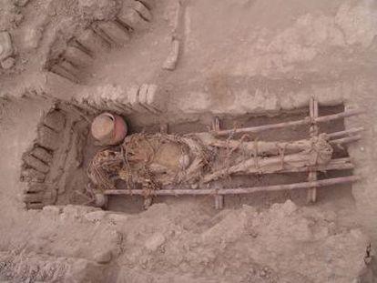 Cadáver en el yacimiento arqueológico de Huaca Pucllana, en Lima (Perú), donde se analizaron varios individuos para este estudio