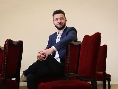 Ayoub El Hilali, actor español de origen marroquí en el Teatro Español, donde representará desde este jueves la obra '#PuertasAbiertas'.