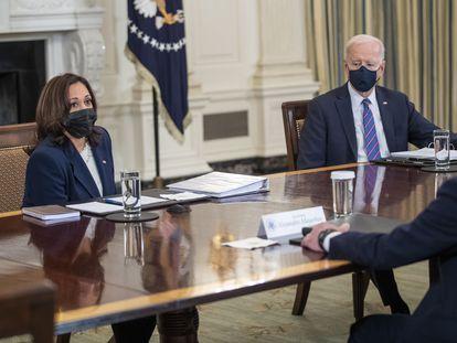 La vicepresidenta Kamala Harris y el presidente Biden, este miércoles en la Casa Blanca.