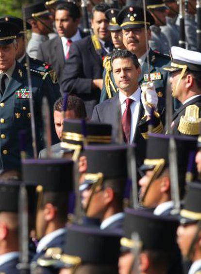 Peña Nieto, en un desfile militar.