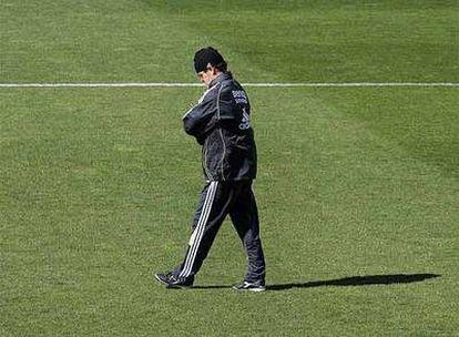 Fabio Capello, pensativo durante un entrenamiento en la Ciudad Deportiva.