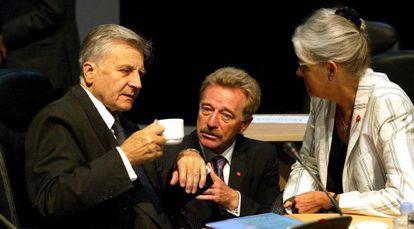 Yves Mersch, nuevo miembro del consejo del BCE, en el centro.