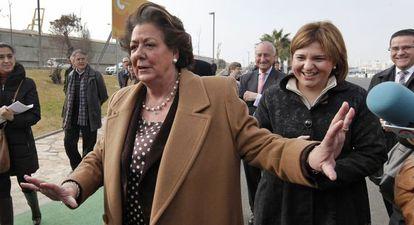 La alcaldesa de Valencia, Rita Barberá, en la Marina Real del puerto de Valencia