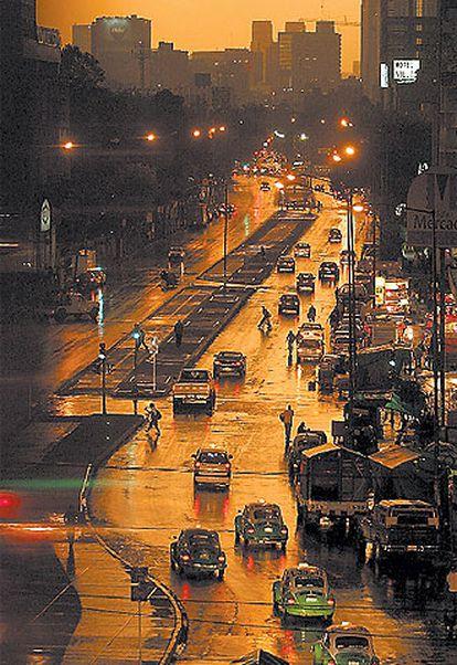 Una panorámica de Ciudad de México de noche.