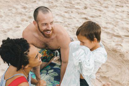Muestras de amor que creen compromisos, que faciliten la comunicación afectiva, que ayuden a vivir en el aquí y el ahora.