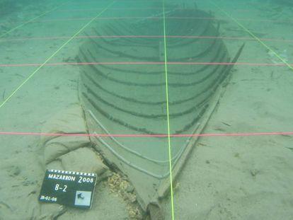 Imagen tomada en 2008 de la barca fenicia.