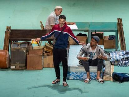 Un momento de 'Carrer Robadors', obra dirigida por Julio Manrique.
