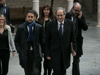 El expresidente catalán Quim Torra junto a algunos consejeros de su Gobierno en enero de 2019 en Barcelona.