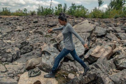 Sara Rodrigues de Lima, conocida como una de las mejores pescadoras de Vuelta Grande, afirma que el río Xingú se está muriendo y ya no puede pescar para alimentar a sus hijos.