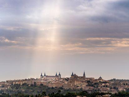 Vista de Toledo bajo el cielo nublado de otoño, el pasado día 24.