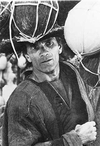 Pasolini, en el papel de Giotto, en su filme 'El Decamerón'.