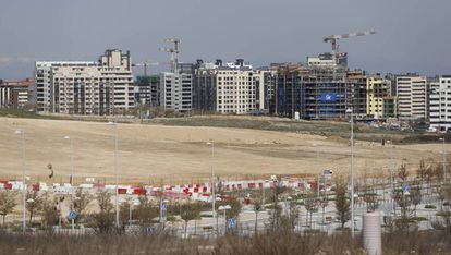 Viviendas en construcción en el barrio de Valdebebas de Madrid.