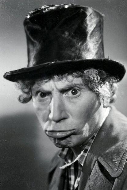 Adolph Marx como el personaje que le dio la fama: Harpo.