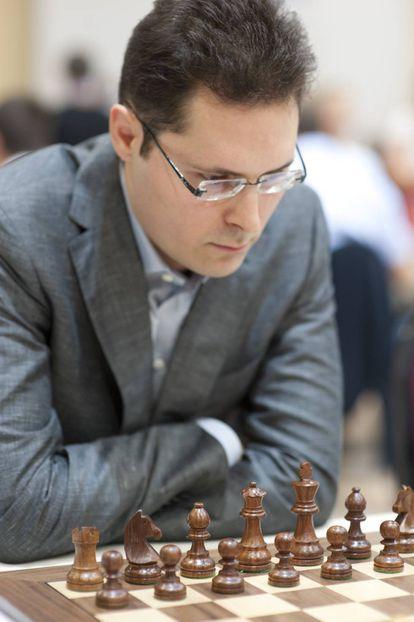 Peter Leko, en la Olimpiada de Ajedrez de Estambul, en 2012