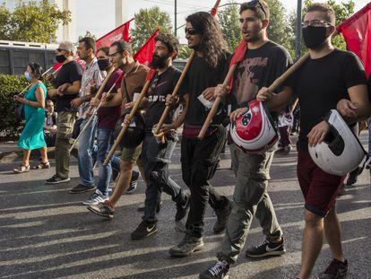 Protesta contra el grupo neonazi Amanecer Dorado, este miércoles en Atenas.